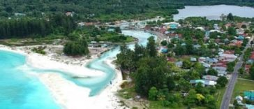 Temapat Wisata kabupaten Buru : Pantai Jikumerasa